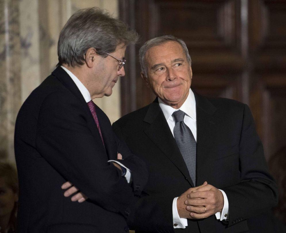 Il presidente del Consiglio Paolo Gentiloni con il presidente del Senato Pietro Grasso