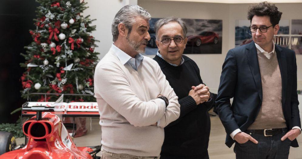 Il team principal della Ferrari, Maurizio Arrivabene, il presidente Sergio Marchionne e il direttore tecnico Mattia Binotto alla festa di Natale