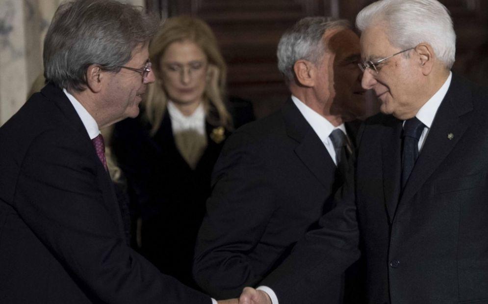 Il premier Paolo Gentiloni e il presidente della Repubblica Sergio Mattarella