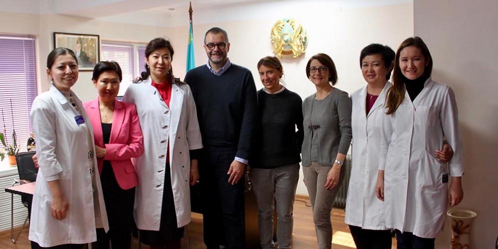Dilyara Kaidarova (Dir. gen. KazIOR), Mirco Santini (Dir. med. IRCCS-CRO), Mariagrazia Michieli (Dir. Prog. Trapianti Cellule staminali ematopoietiche IRCCS-CRO) e Cristina Durante (Resp. Qualità Prog. Trapianti cellule ematopoietiche IRCCS-CRO)