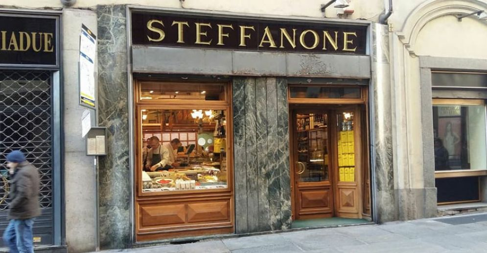 La storica gastronomia di via Maria Vittoria