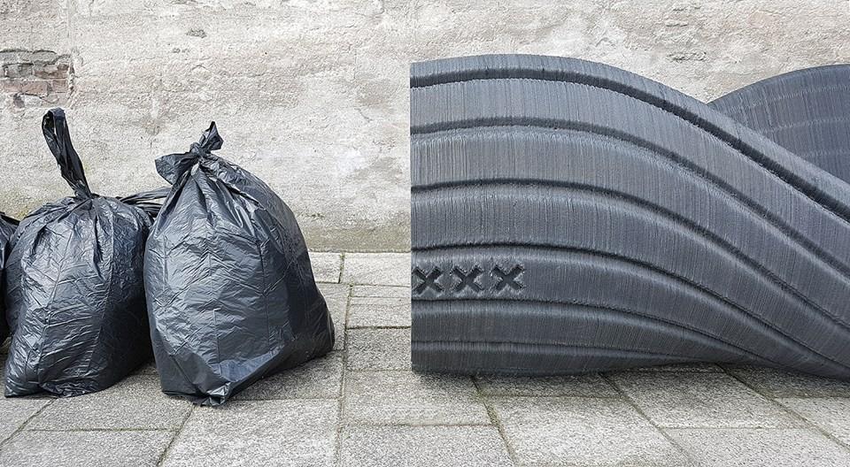 La panchina per città fatta con la plastica riciclata