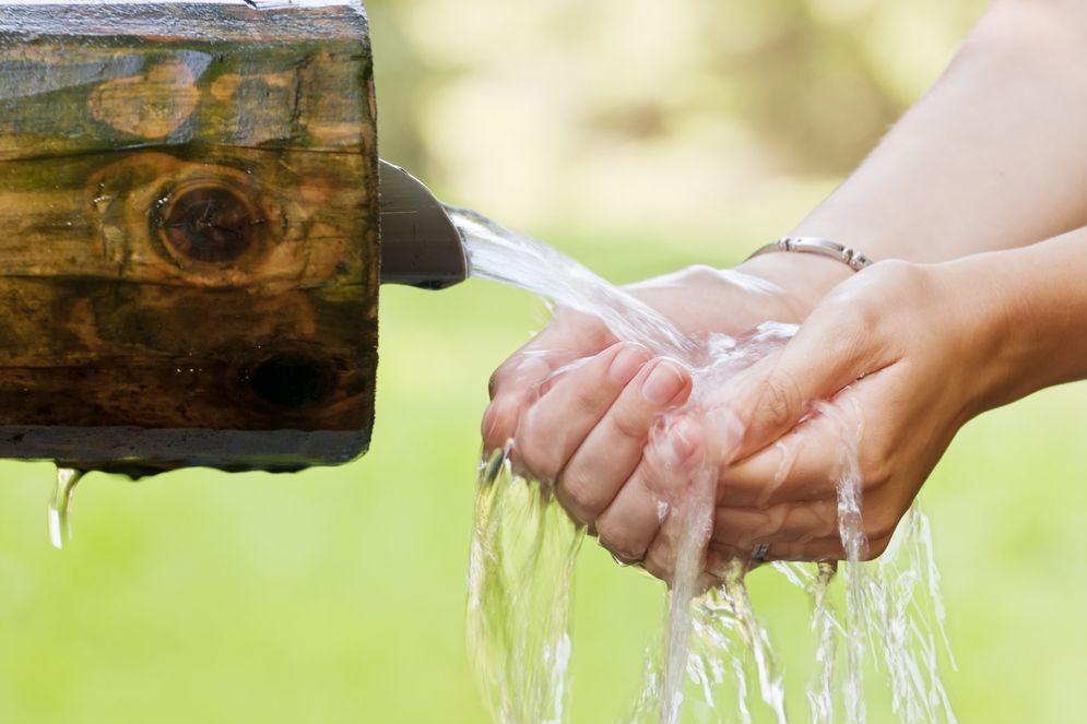 Ma naia degli americani di bere acqua pura
