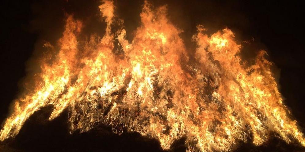 Pignarûl: i fuochi epifanici del Friuli bruciano e salutano l'anno nuovo!