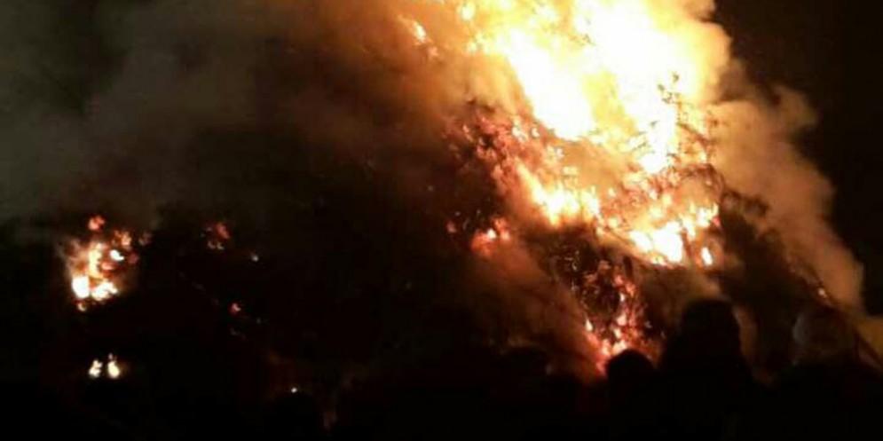 Pagnacco - Pignarûl: i fuochi epifanici del Friuli bruciano e salutano l'anno nuovo!