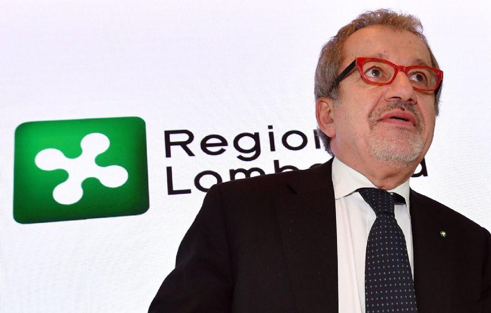 Il presidente della Regione Lombardia, Roberto Maroni, in occasione di una conferenza stampa durante la quale ha fatto un primo bilancio della legislatura