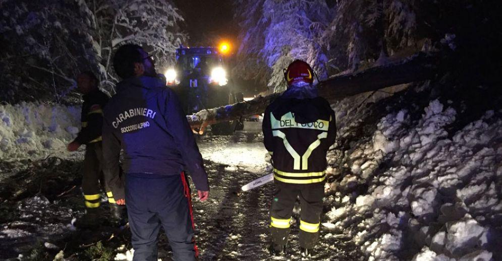 Slavina, maltempo e alberi caduti a Sestriere