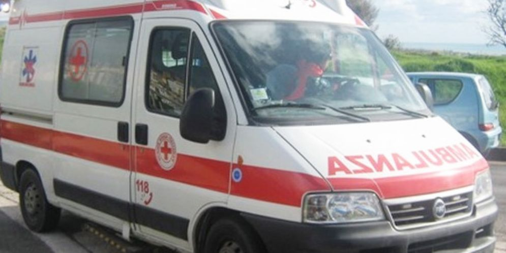 Fontanafredda, frontale tra due auto: feriti lievi