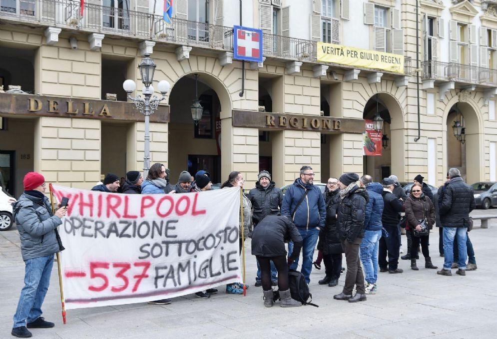 I lavoratori dell'Embraco davanti alla Regione Piemonte