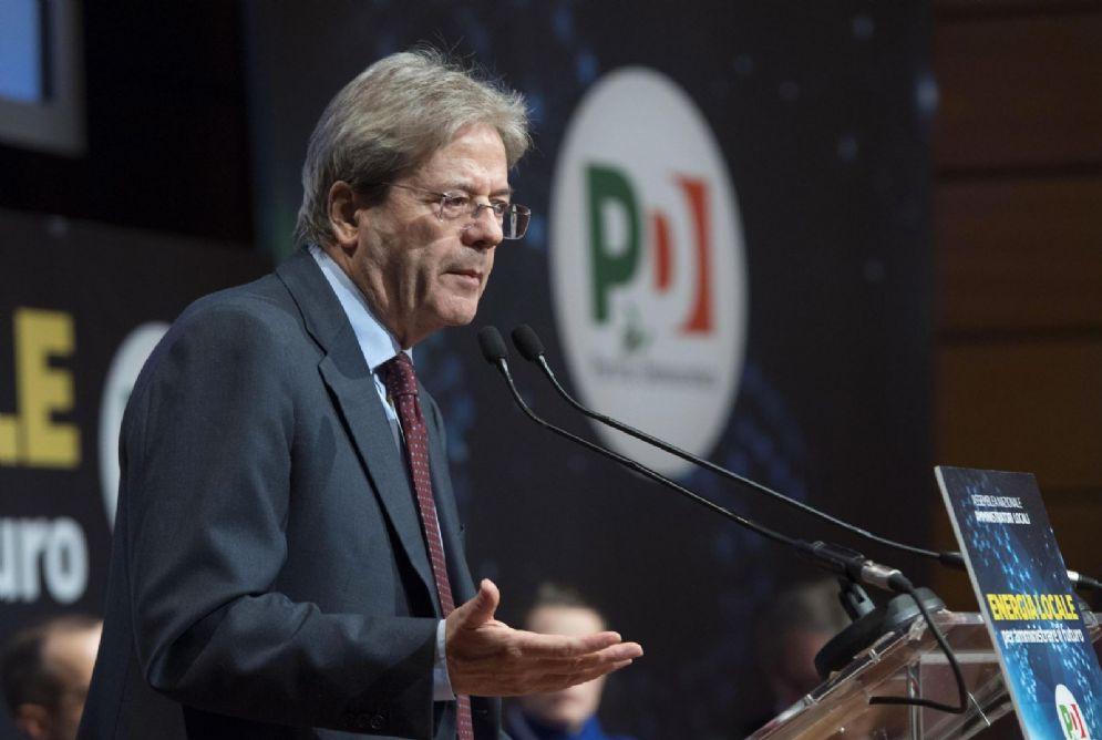 """Il presidente del Consiglio Paolo Gentiloni durante il convegno del PD """"Energia Locale Amministrare il futuro"""" presso il Lingotto, Torino"""