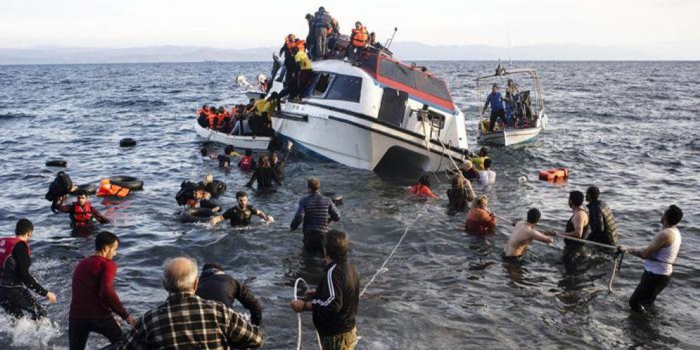 Emergenza migranti, scambio di accuse tra Berlusconi e Renzi