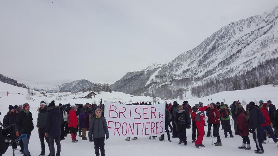 """Marcia di solidarietà """"Briser les frontieres"""""""