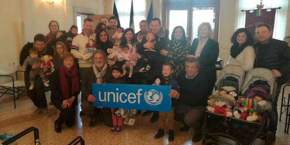 Ai 30 nuovi nati a Palmanova, il Comune regala la Pigotta dell'Unicef