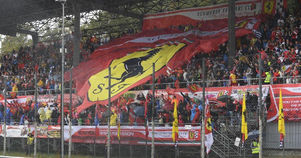 I tifosi ferraristi sulle tribune del Gran Premio di Monza di Formula 1