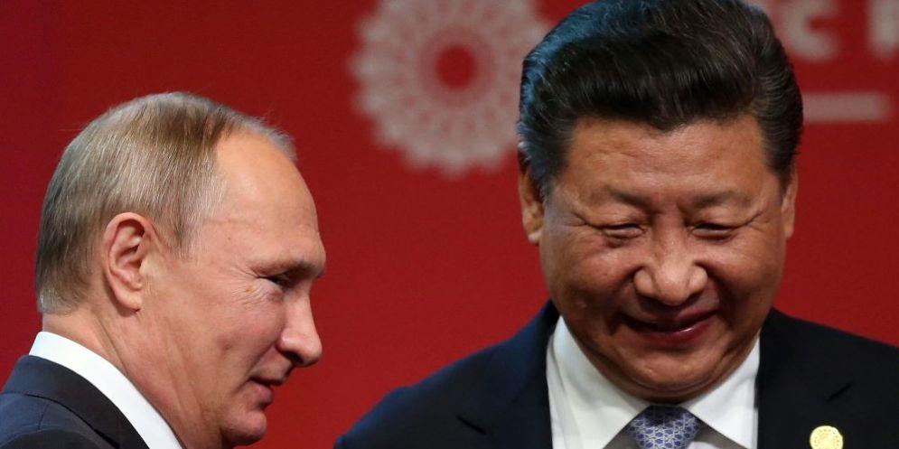 Il presidente russo Vladimir Putin e il suo omologo cinese Xi Jinping