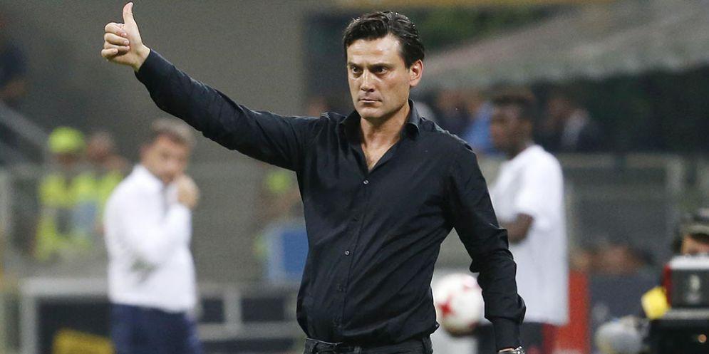 L'allenatore del Siviglia Vincenzo Montella
