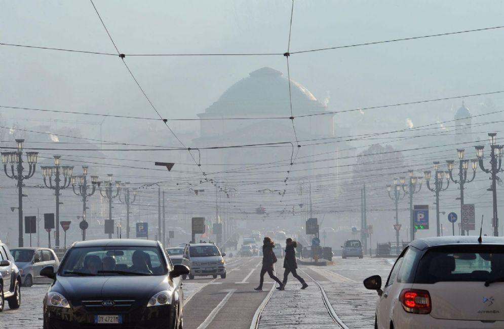 Niente blocco auto a Torino ma lo smog sale sempre di più