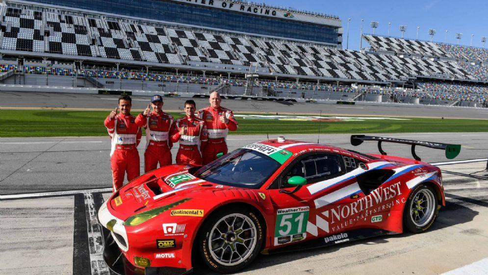 La Ferrari 488 Gt3 di Miguel Molina in pole position in classe Gtd