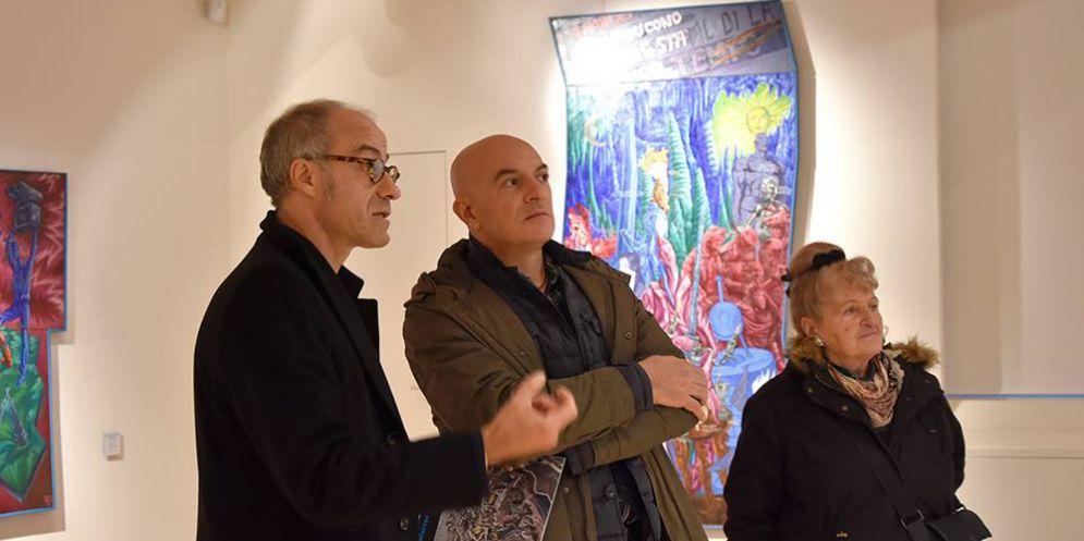 L'artista Walter Bortolossi in Galleria Bertoia in mostra a disposizione dei visitatori