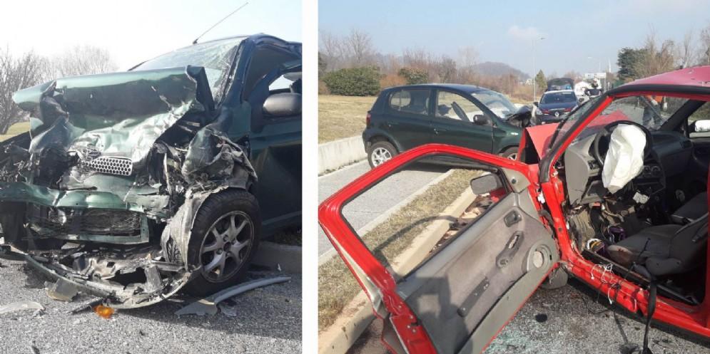 Scontro frontale sulla Osovana: ferite due persone