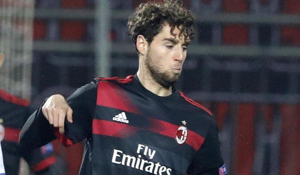 Il centrocampista Niccolò Zanellato appena passato al Crotone