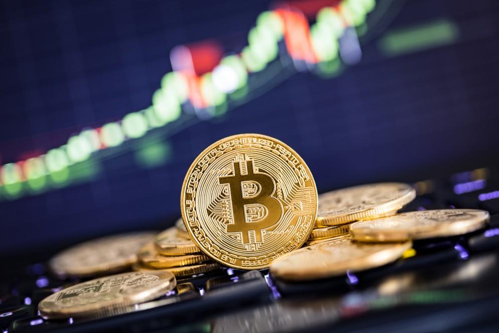 Bitcoin sempre più giù, scende sotto 8mila dollari