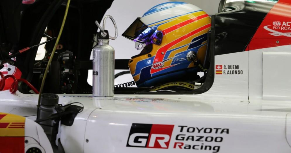 Fernando Alonso al volante del prototipo Toyota per il Mondiale Endurance Wec