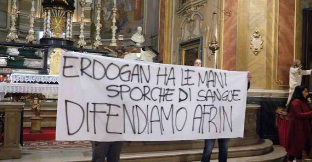 Gruppo di attivisti interrompe la messa nella chiesa di San Tommaso