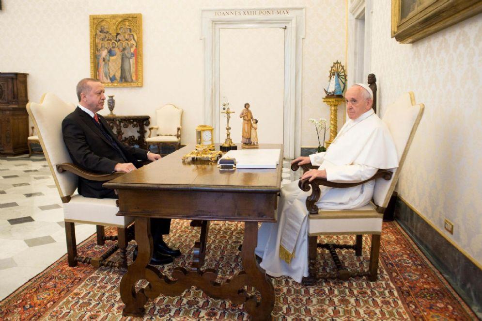 Il presidente turco Recep Erdogan in Vaticano accolto da Papa Francesco