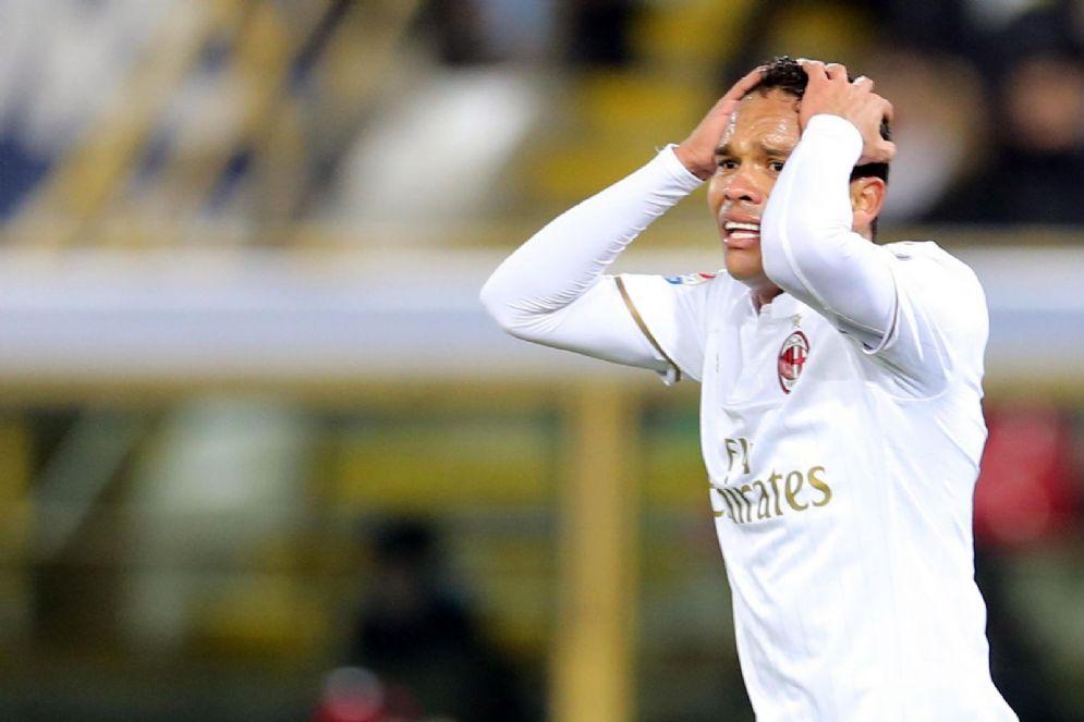 L'attaccante colombiano Bacca con la maglia del Milan