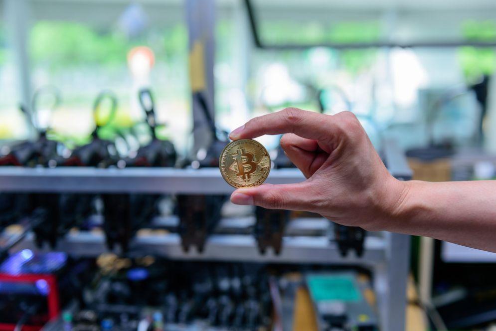 Perchè oggi Bitcoin è sceso a 6mila dollari