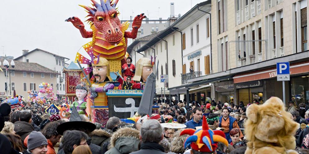 Montereale Valcellina: c'è il treno per il Carnevale. A Maniago occasione persa