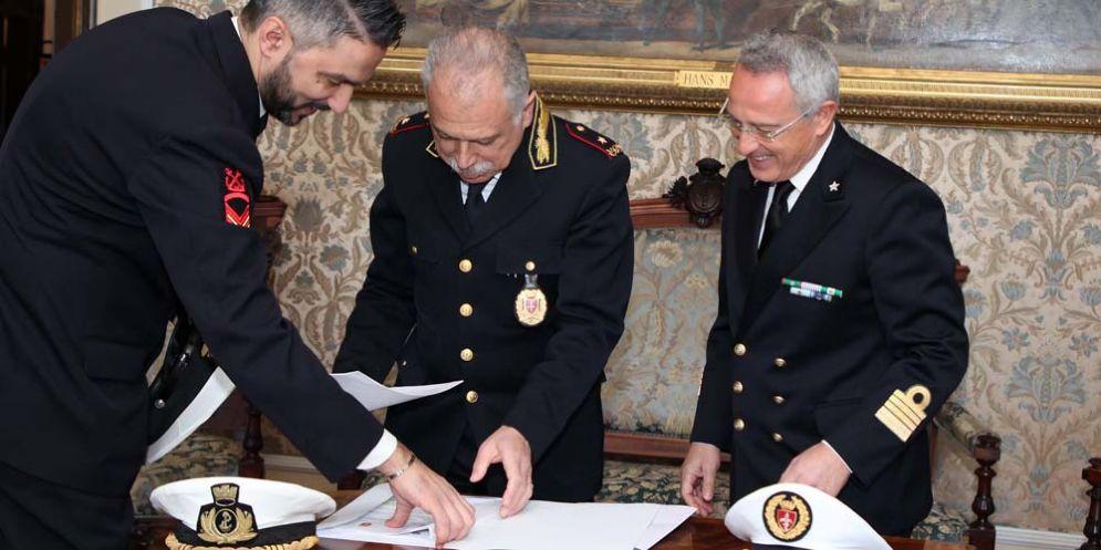 Comune e direzione marittima di Trieste hanno firmato l'accordo operativo per i controlli congiunti