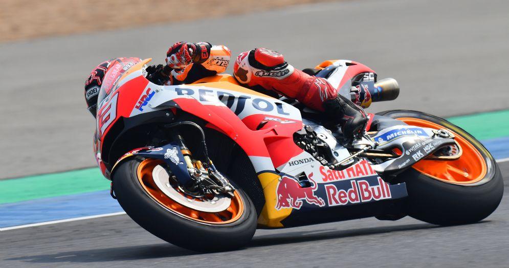 Marc Marquez in sella alla sua Honda nei test di Buriram