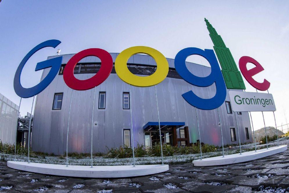 Google porta più visite ai siti web che Facebook