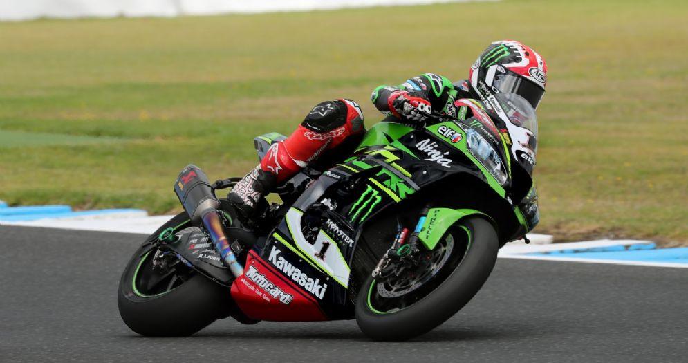 Jonathan Rea in sella alla Kawasaki nei test di Phillip Island