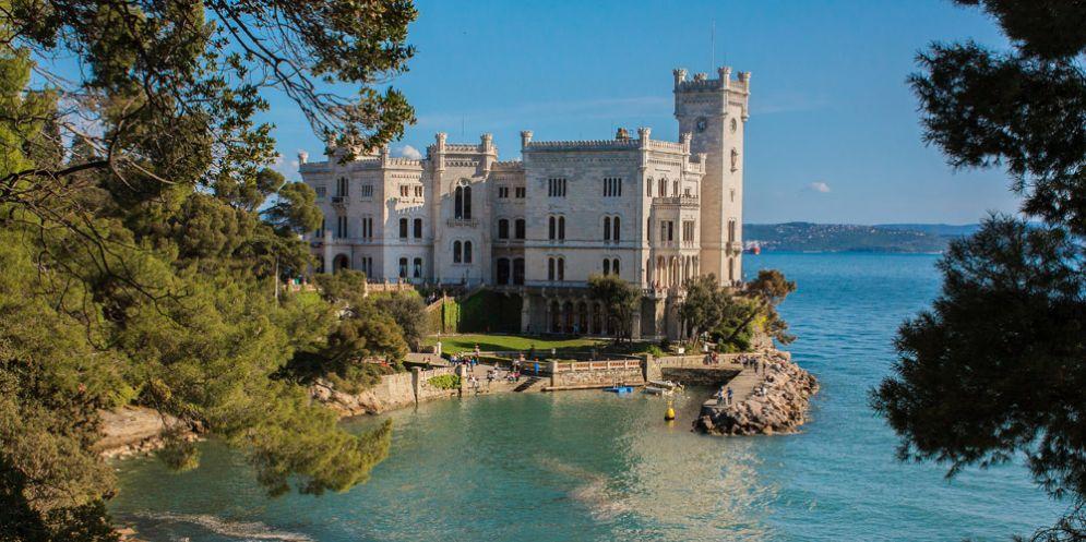 Trieste: verso riqualificazione della baia Grignano