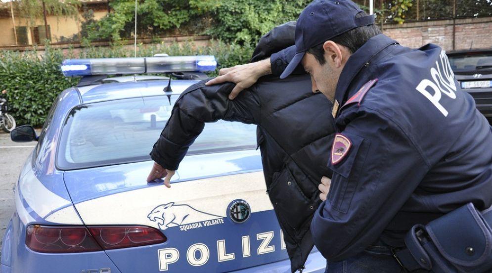 Lo scippatore è stato arrestato dai poliziotti