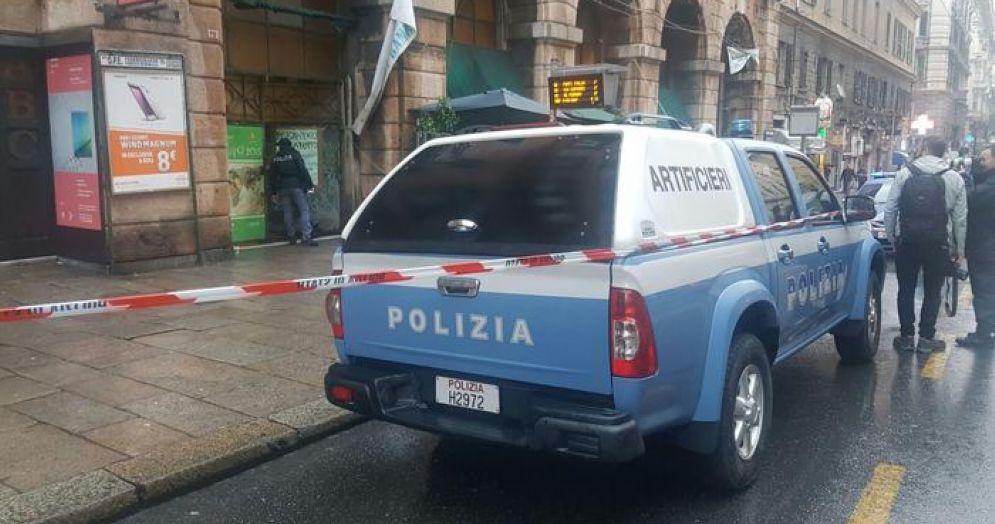 Auto degli artificieri della Polizia
