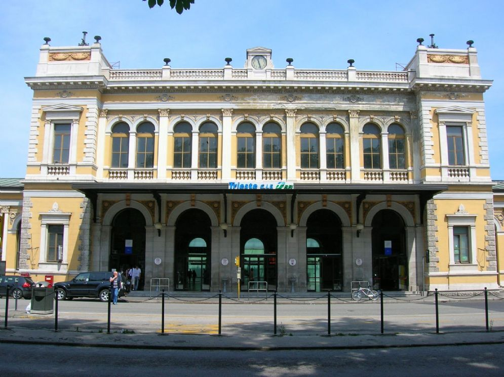 """Causa """"avverse condizioni meteo"""" il traffico della stazione di Trieste si 'congela'"""