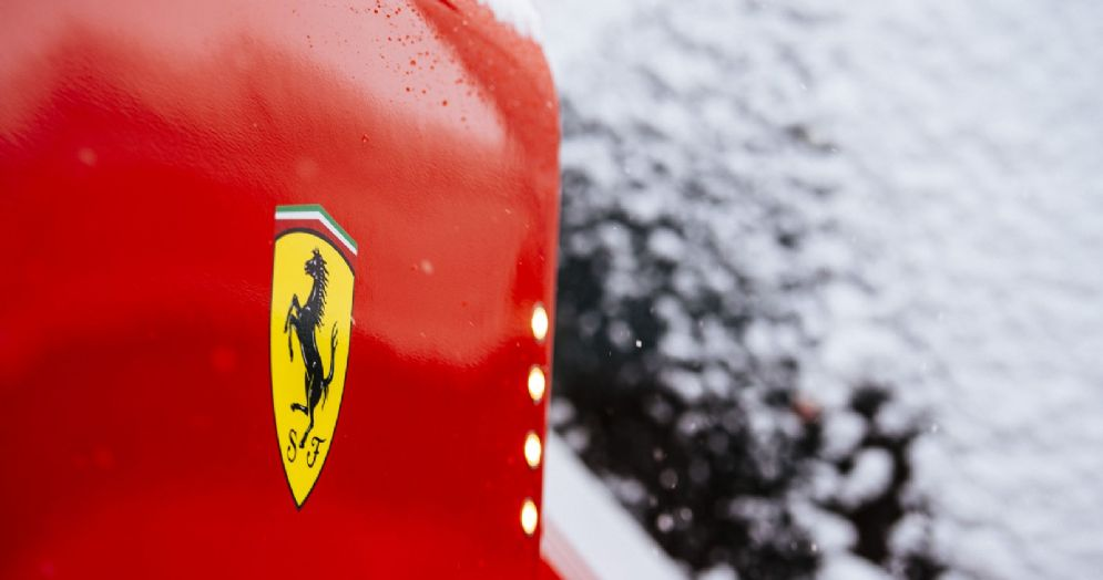La Ferrari ferma per neve a Barcellona