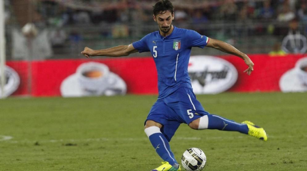 Davide Astori con la maglia della Nazionale