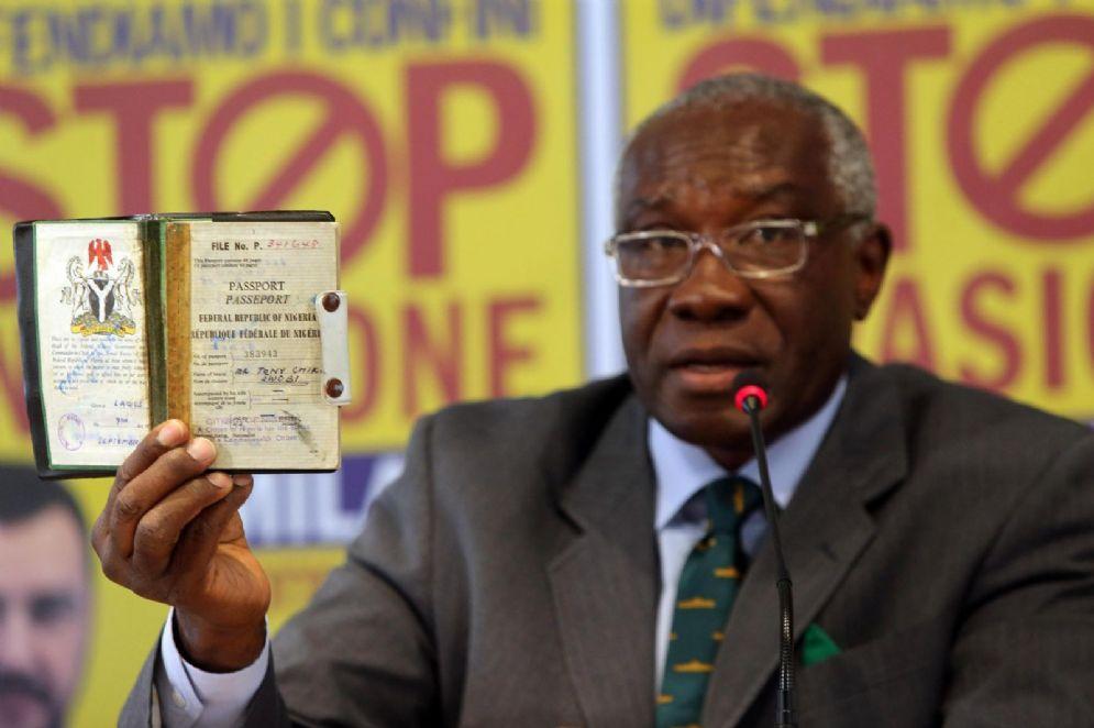 Toni Iwobi, il primo senatore di colore eletto tra le file della Lega