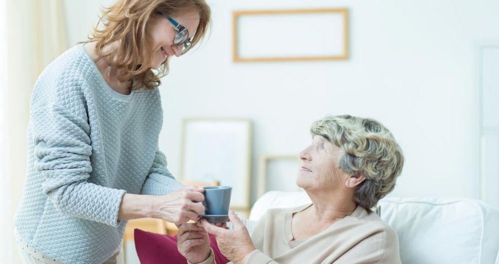 Le donne caregiver sono trascurate