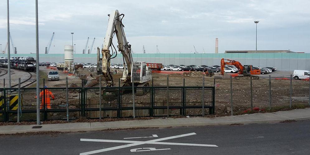 Porto di Monfalcone: lavori di pulizia e manutenzione per riammodernare l'infrastruttura