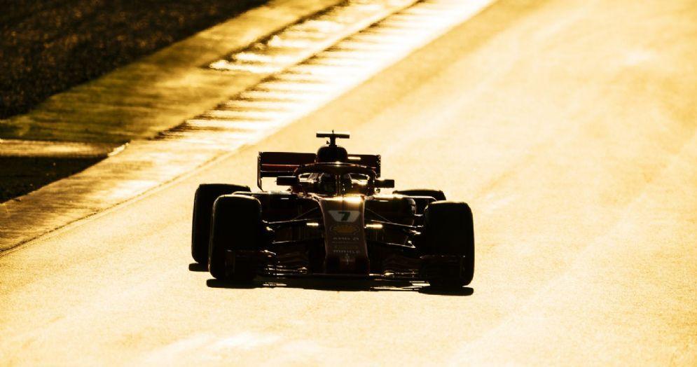 Kimi Raikkonen al volante della Ferrari nei test di Barcellona