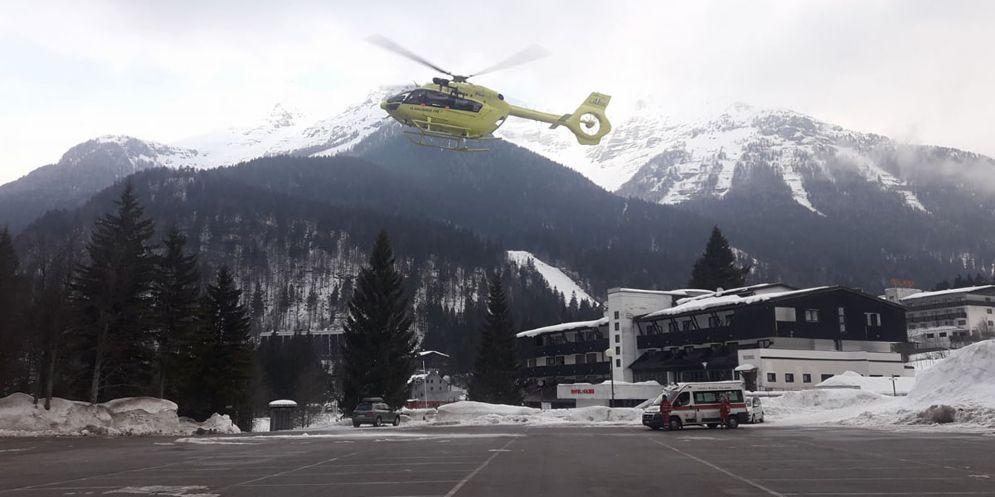 Snowboarder cadono per 40 metri scendendo dal Monte Forato