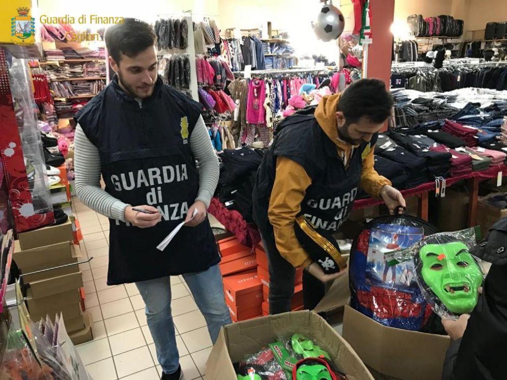 La Gdf sequestra 80mila prodotti per bambini, intervento anche a Vicolungo
