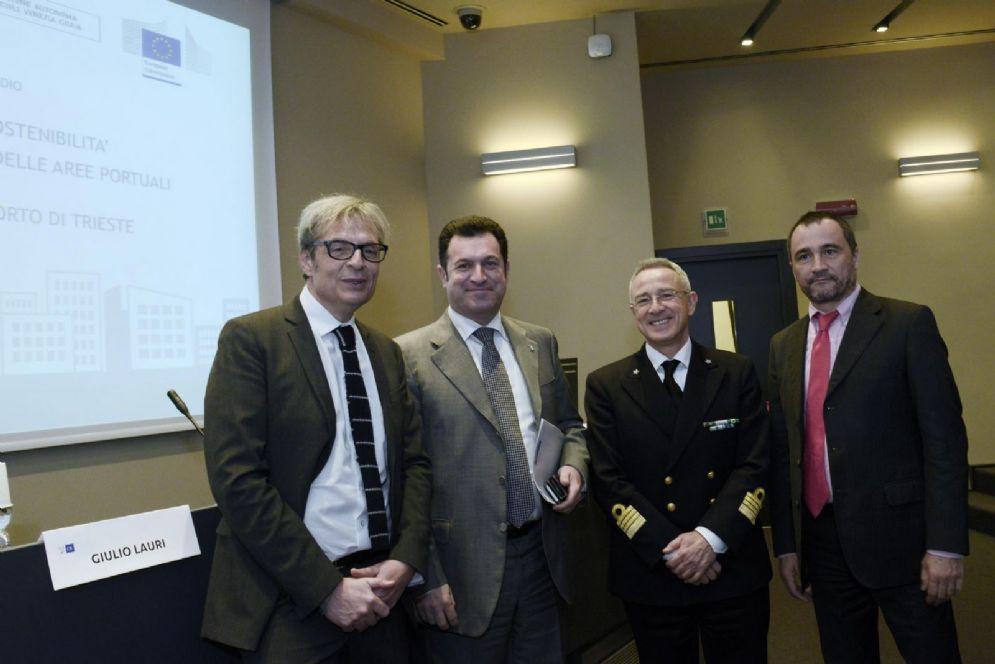 Giulio Lauri, Franco Iacop e Luca Sancilio al convegno per la sostenibilità energetica delle aree portuali