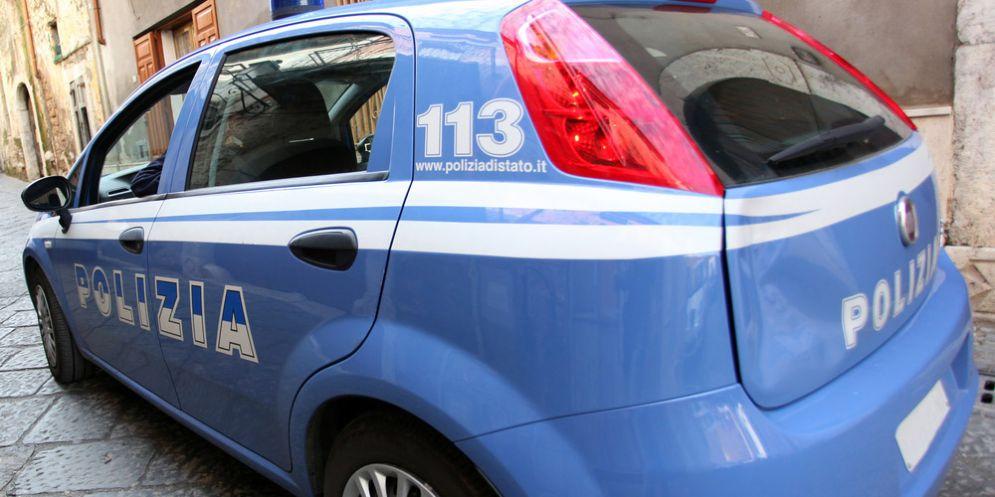 L'auto della polizia